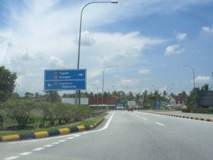 Belok kiri lepas Tol Tapah