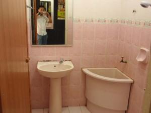 Resort Chalet Camar Laut - bilik air