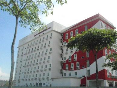 Tune Hotel Danga:Bajet Hotel