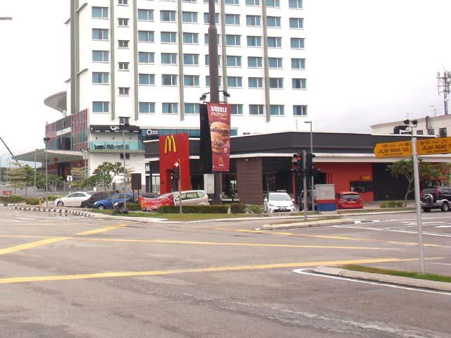homestay-legoland-malaysia-tempat-makan