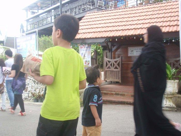 Tempat Menarik DI Pulau Pinang : Bukit Bendera :Jalan-jalan menuju ke Dataran Bukit Bendera