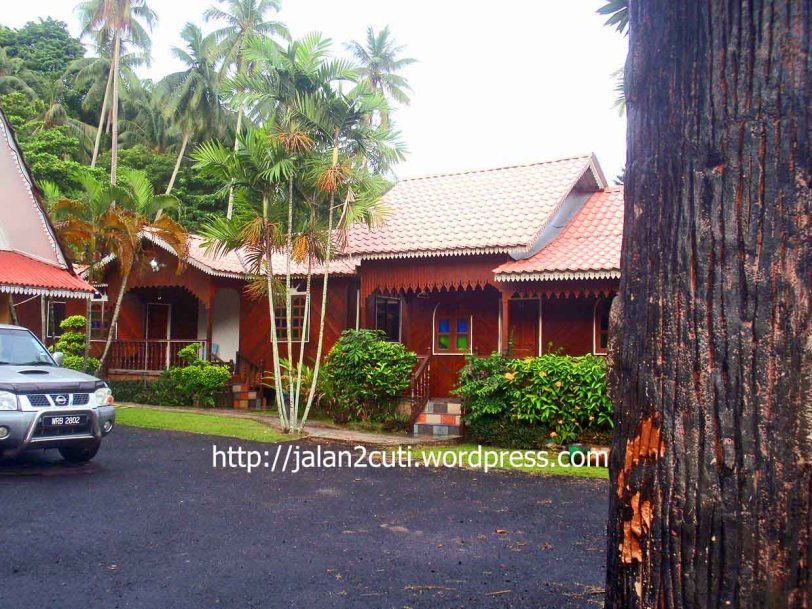 Air Papan, Chalet dan Resort :  Sri Mersing Resort Chalet Semi-D