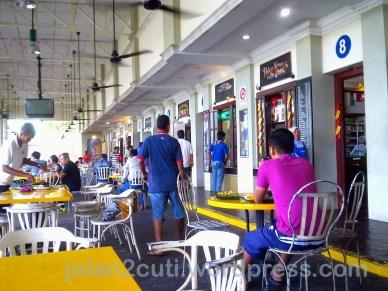 Tempat Makan di Johor Bahru : Nasi Lemak Kukus RNR Tempat Makan di Johor Bahru : Nasi Lemak Kukus RNR Gelang PatahGelang Patah