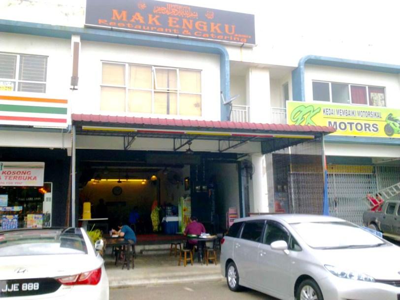 Kedai Makan Kampung di Bukit Indah–Dekat Legoland-Restoran Mak Engku and Catering