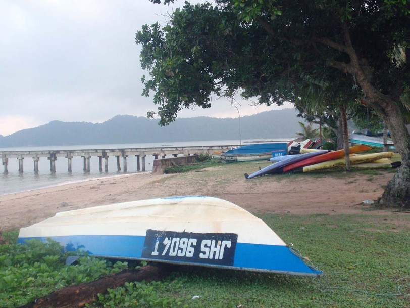 Tempat Menarik di Mersing : Pantai Penyabong