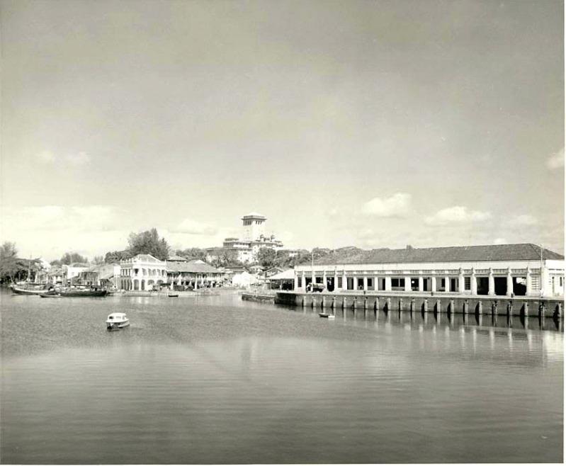 old-johor bahru-jetty-towards-bukit-timbalan