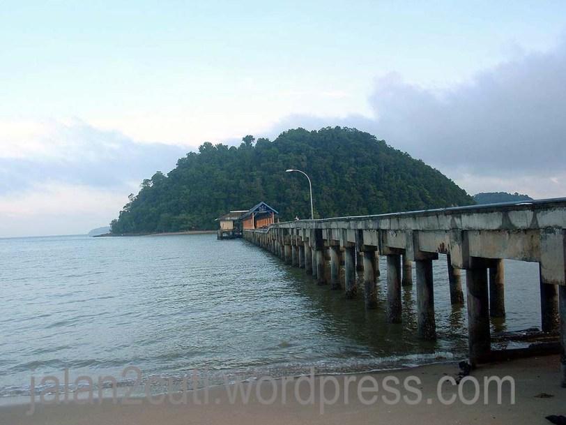 Tempat Menarik di Johor : Pantai Penyabong, Mersing