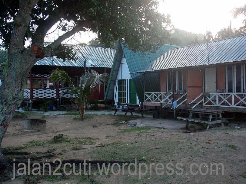 Pantai Penyabong Resort : Chalet tempat menarik di Johor
