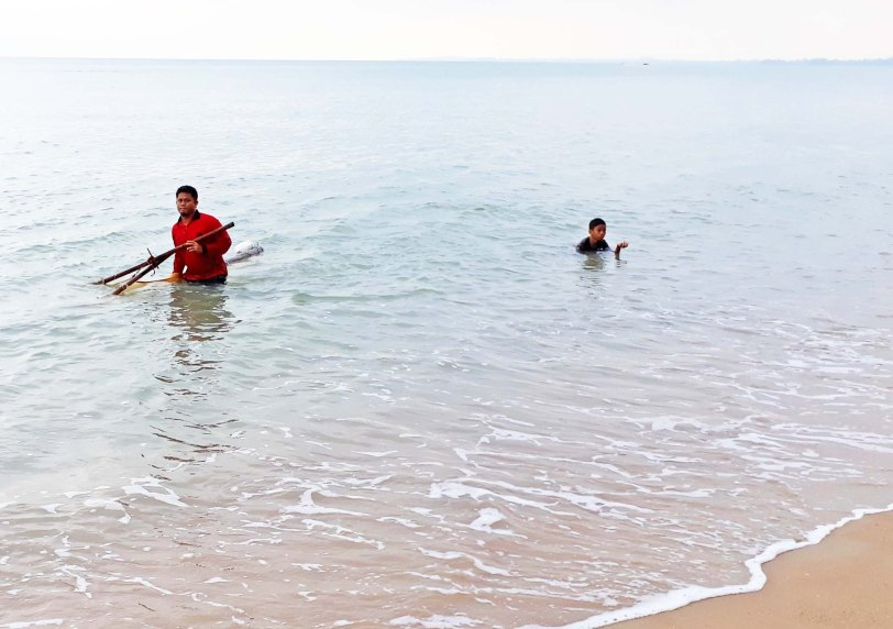Pantai Padang Kemunting, Melaka : Apa aktiviti di sini?bubu,banana boat, pancing, khemah