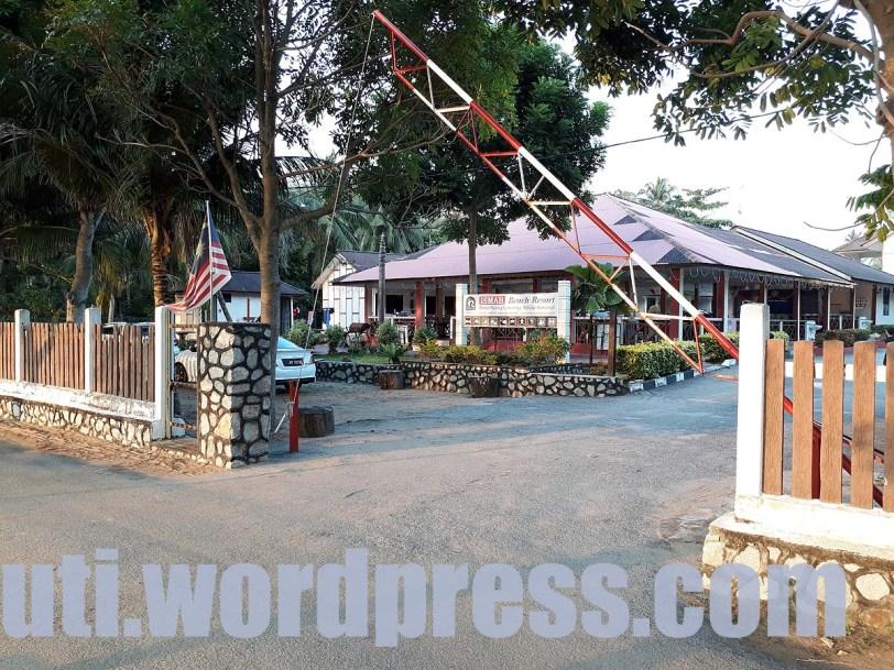 Pantai Padang Kemunting, Melaka : Tempat Menarik Pantai Cantik Mulus _ Ismah Beach Resort