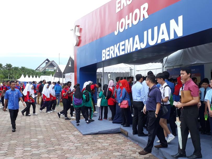 Tempat Menarik di Johor Bahru-Nusajaya : Ekspo Johor Berkemajuan, Dataran Kota Iskandar ,sebelah Hello Kitty Taman Tema , Puteri Harbour
