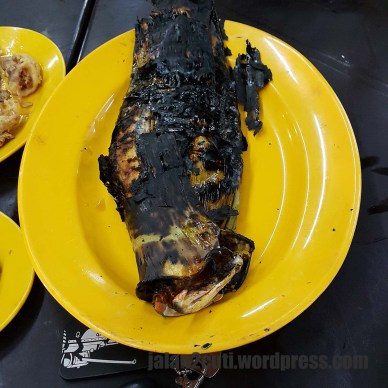 Tempat Makan Best di Melaka : Restoran Ikan Bakar Muara Sungai Duyung