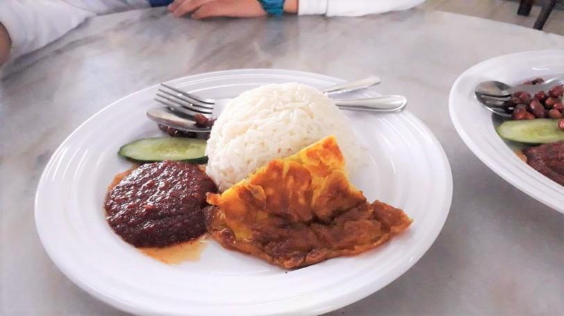Tempat makan di Muar, Johor : Ramly Kopitiam, Bandar Bukit Gambir - Mee Rebus & aneka roti di Bukit Gambir
