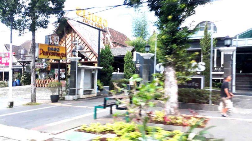 trip-kota-bandung02-street scene